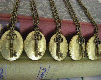 Bridesmaids Lockets, Set Of Five 5,  Vintage Oval Lockets With Key, Brass Oval Locket Necklace