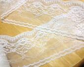 """Lace trim 15 Yards, Ivory Lace Trim, Light Beige Lace, scalloped edged lace, Floral lace 3.5"""" wide ( about 9cm ) No. L1"""