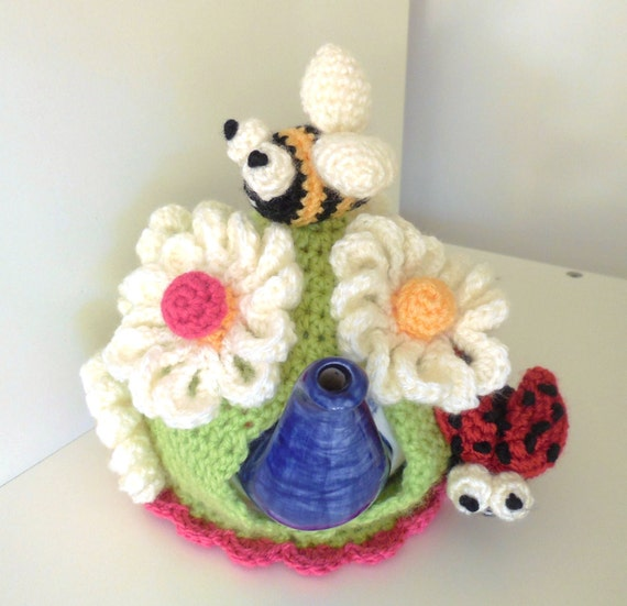 Crochet garden tea cosy pattern