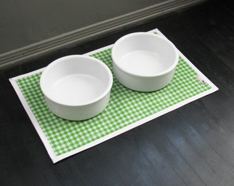 Green & White Gingham Waterproof Pet Placemat with solid white border