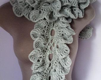 Crochet SCARF/ NECKWARMER / Ruffle Scarf, women scarf, sjaal, bufanda, cachecol, sciarpa, Schal, foulard, echarpe