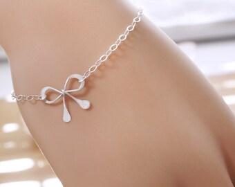 Sterling silver BOW bracelet, Feminine charm bracelet, Bridesmaid gift, Silver bow, bridal party favors
