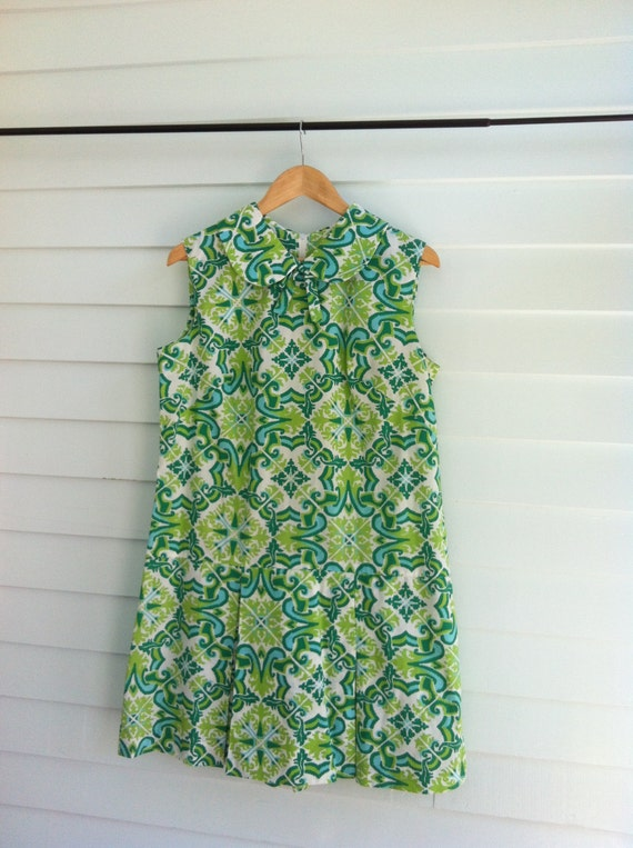 Vintage Green Dress with Peter Pan collar-Mod Paisley Pattern, Pleated Colorful Spring Dress, Summer Dress