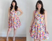Vintage Floral Party Dress - Bright Multi-Color 90s Daisy Print Spring / Summer SM
