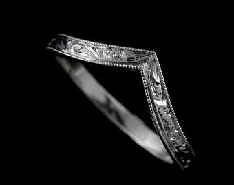 14k White Gold Uniquely V Pointed Curved Engraved Vintage Style Wedding Band 2.5mm Wide