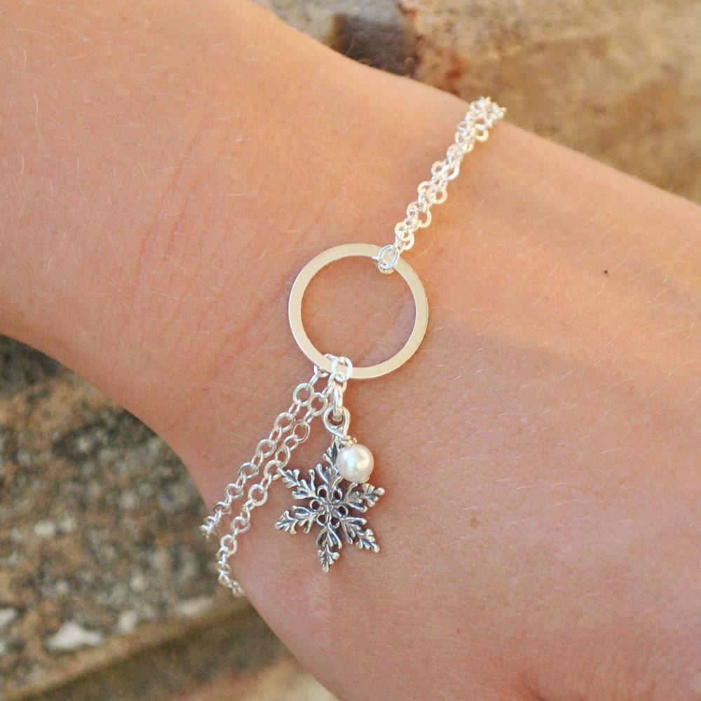Snowflake Charm Bracelet: Sterling Silver Snowflake Bracelet White Swarovski Pearl