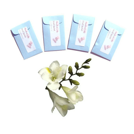 Mini Spring Wedding Favors Freesia Petals Bridal Shower Prize Sachets Flower Seed Packets Pastel Guest Luxury Homewares Decor Fragrance