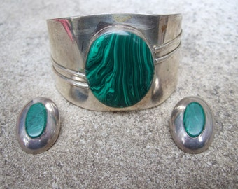 Sleek Modernist Malachite Cuff & Earrings c 1970