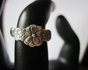 Flower Ring Size 6 Sterling Silver