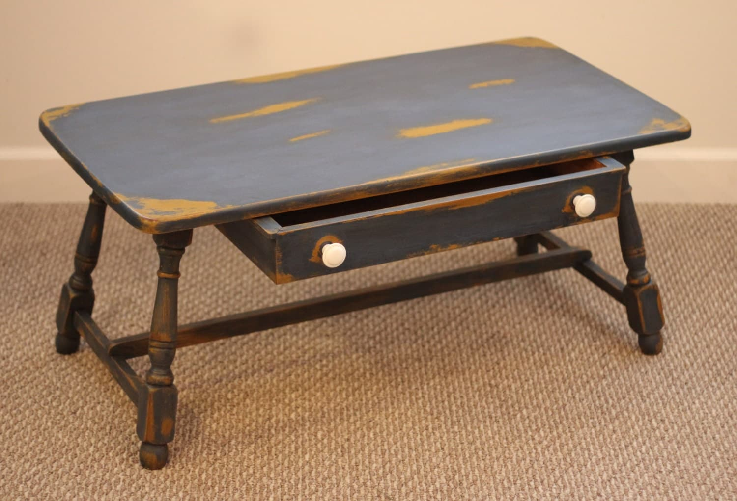 Upcycled Coffee Table With Milk Paint Finish By Mdrnhomesteader