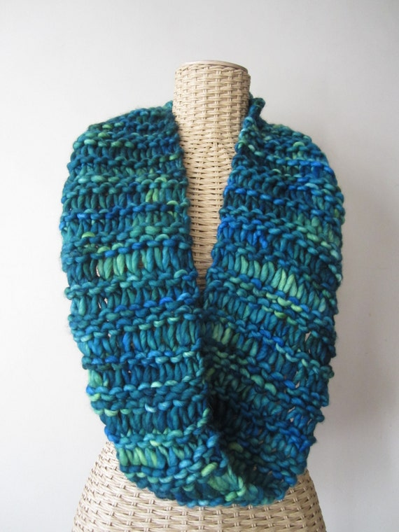 Hand Knit Ocean Waves Cowl - Hand Painted Blue Green Cowl -  Merino Wool Cowl - Chunky Yarn Infinity Scarf