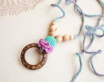 Coconut ring nursing pendant -  teal mit lilac -  Sling Accessory - breastfeeding necklace - nursing necklace