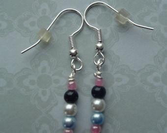 Tiny Pearls Pierced Earrings