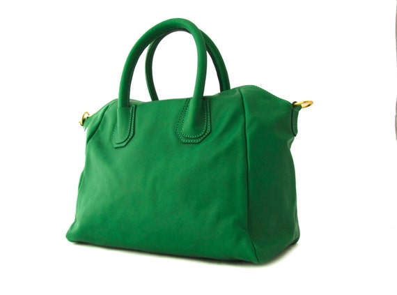 Handmade Leather Handbag Purse Tote in Green-.- the Aukai -.- new collection