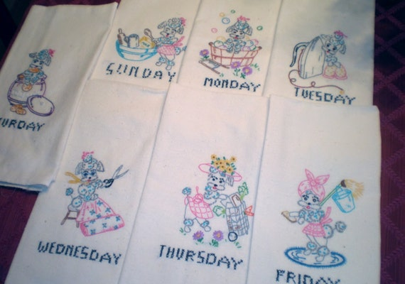 Vintage Embroidered 7 Days of the week Dish Towels, Tea Towels, Set of 7