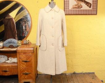 60s / 70s Heavy Cream Wool Winter Coat Peter Pan Collar Whipstitch Details M / L