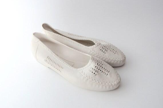 Vintage Woven White Jellies / jelly shoes / sandals / women / beachwear