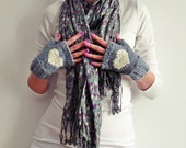 fingerless mittens with heart - grey and ecrue