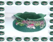 Sale Felted handmade bowl pouch green with colorful silk