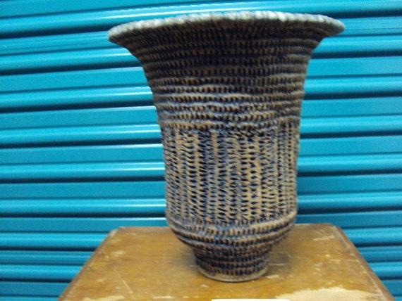 Florero de cerámica escultura II