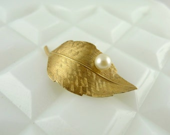 Vintage Krementz 14K Gold Overlay Leaf Brooch with a Cultured Pearl - Pin UC107