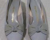 Women's Vintage Pair of Light Blue Designer Heels (Sz 7.5)