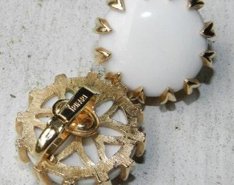 Trifari Crown White Enamel Button Cabachon Gold Flower Setting Earrings