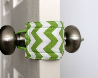 Latchy Catchy in Green Chevron (Patented)