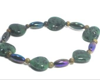 Gemstone Green Metallic Stretch Bracelet