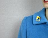 SALE 50s brooch / 1950s flower brooch / brooch pin