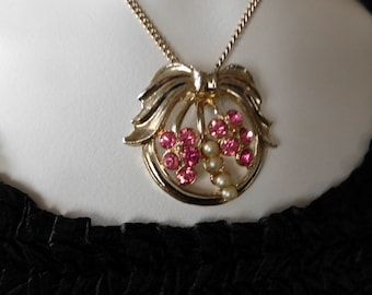 Sold/ Floravintage 1950s  Necklace Pink rhinestones and Pearls on goldtone chain