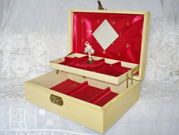 Vintage Jewelry Box Music Box With Dancing Ballerina