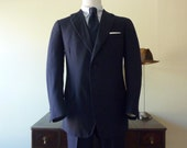 CLASSIC Vintage 1967 Bespoke / Custom Made  J. Hoare & Co. Solid Navy Blue Trad / Ivy League Business Suit 42 L. Made in England.