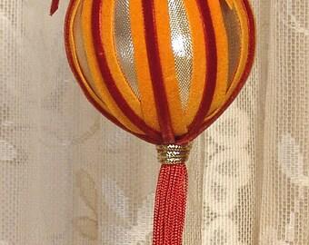 Handmade VICTORIAN CHRISTMAS Ornament / Keepsake - Vintage Style - Gold & Rust - No16