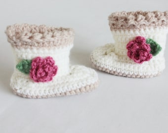 Baby booties - crochet baby girl shoes - cream flower baby shoes