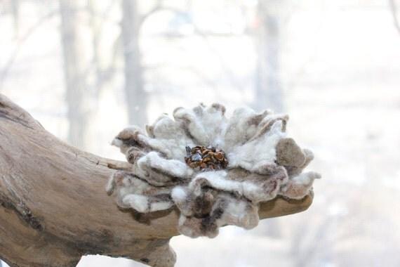 """OOAK Felted flower brooch """"Tigers Eye"""" / Felt Jewelry / Wool Flowers / Felted Brooch / Ready to ship"""