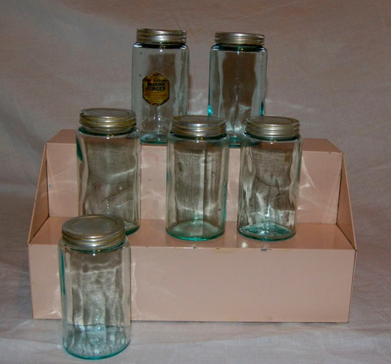 Set of 6 vintage hoosier sellers glass spice jars with tin for Retro kitchen set of 6 spice tins