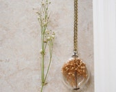 Blonde Baby's Breath Glass Locket by Heron and Lamb - Heronandlamb