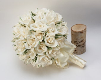 wedding bouquets, paper flower bouquet, bridal bouquet, bridesmaids bouquets, ivory roses, creme bouquet