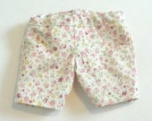Follow the trends - Floral Jean-style Shorts for American Girl or Maplea Dolls