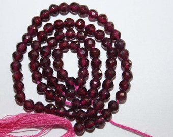 Natural AAA Quality Garnet 4mm Faceted Round Gemstone Beads 13 Inches FRD05