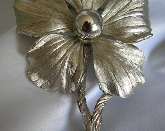 Shiny Silver Tone Floral Motif Brooch Pin - Signed PASTELLI - Vintage 1950 -1980