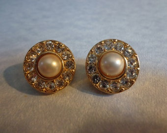 Vintage pearl and clear rhinestone  round clip earrings.
