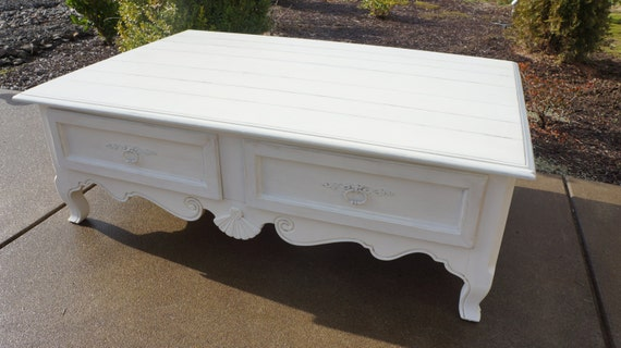 ethan allen shabby french cottage style coffee table. Black Bedroom Furniture Sets. Home Design Ideas