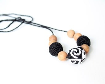 Black & White Crochet Nursing Necklace with Embroidered Bead - Teething necklace for Mother and child - Breastfeeding Necklace