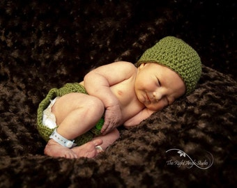Peapod hat and diaper cover set