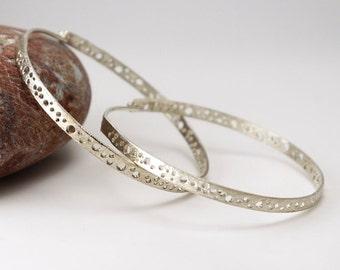 Large hoop earrings made of silver, silver hoops, silver earrings, big hoop earrings, thick hoop earrings, lightweight hoops, urban hoops