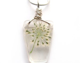 Queen Anne Lace Necklace - Real Flower Encased in Resin - Pressed Flower Jewelry - Resin Necklace - Resin Jewelry - Wire Wrapped Jewelry
