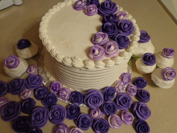 Cake Decorations Out Of Icing : Purple Royal icing roses edible for cake decorating wedding