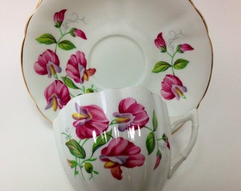 Vintage Bone China Teacup and Saucer, Windsor, Sweet Pea  Pattern, Beautiful Pink White and Mauve